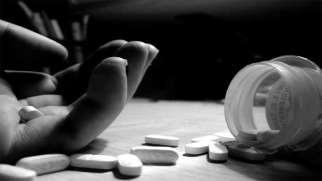 قرص خودکشی | خودکشی با قرص از راه های در دسترس