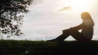 چگونه با غم و اندوه از دست دادن عزیزان کنار بیاییم