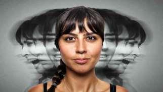بحران هویت چیست | دلایل و نحوه درمان بحران هویت