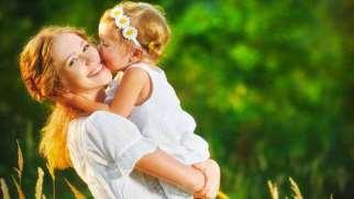 بغل کردن کودک | تاثیر در آغوش گرفتن کودکان