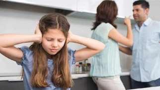 دعوای والدین | تاثیر دعوای والدین بر کودکان و راه های مقابله