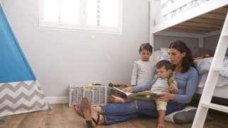 جدا خوابیدن کودک | زمان و راهکارهای جدا خوابیدن کودک