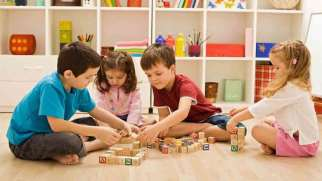 رابطه دوستانه بین فرزندان خود برقرار کنید