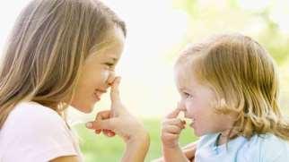 تقلید کودکان و نوزادان