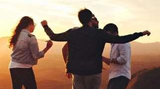 برون گرایی | ویژگی های شخصیت برونگرا