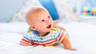 سینه خیز رفتن نوزاد | از بازتاب خزیدن تا کنترل ارادی نوزاد