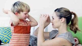 علل و راه های جلوگیری از دست بزن داشتن در کودکان 2 ساله