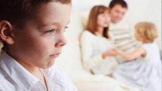 تبعیض میان فرزندان | علت و راه های جلوگیری از تبعیض میان فرزندان