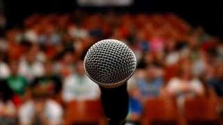 ترس از صحبت در جمع | علت و راه های مقابله با ترس از صحبت کردن در جمع