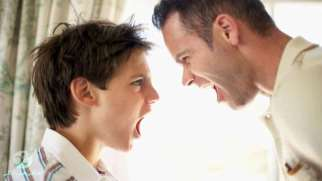 رفتار با نوجوان پرخاشگر | بهترین راهکار چیست؟