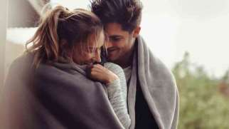 نحوه ابراز علاقه به دختر چگونه باید باشد؟