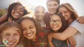 تاثیر دوست در نوجوانان | چگونه به نوجوان خود کمک کنیم؟