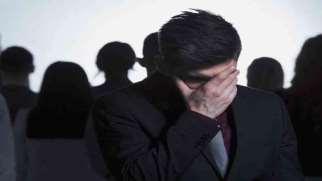 اضطراب اجتماعی | علائم، علل و درمان اختلال فوبیای اجتماعی