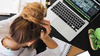فرسودگی شغلی | نشانه ها، علل و مقابله با فرسودگی شغلی