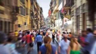 آگورا فوبیا | نشانه ها، علل و درمان آگورافوبیا