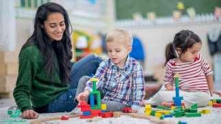 سپردن کودک به دیگران | به چه کسی غیر از والدین کودک را بسپاریم؟
